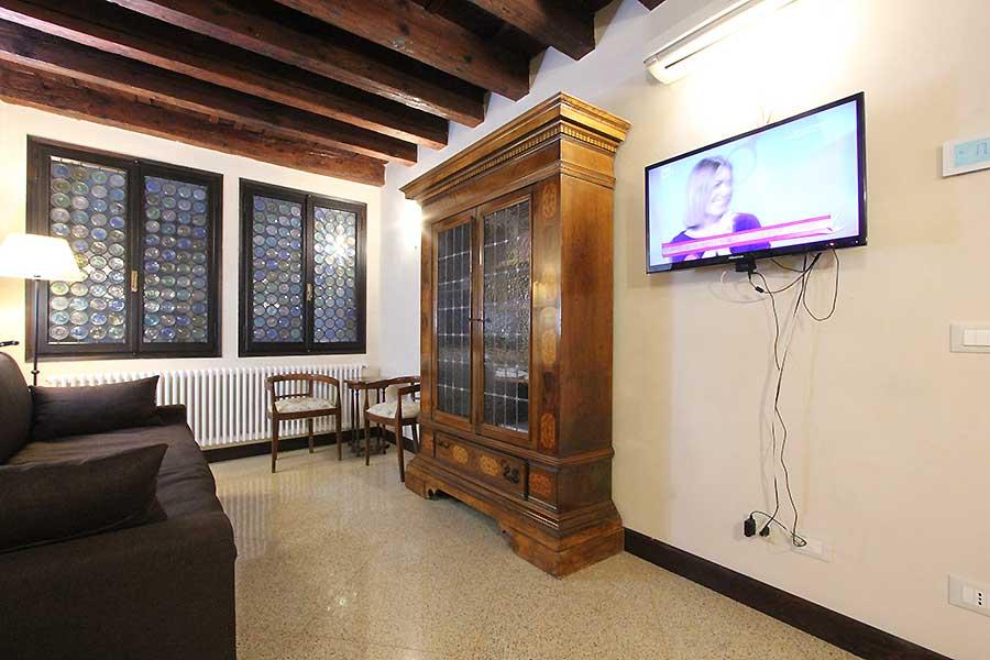 Arsenale Apartment: Cheap Apartment Nearby Biennale Seat In Castello, Venice