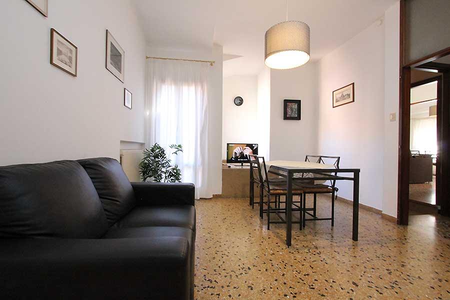 Appartamento San Marco tris: economico nei pressi di Riva ...